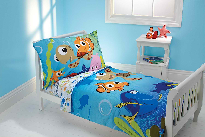 Een blauwe deken met disney figuurtjes uit de zee!